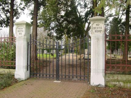 Bus Natuursteen B.V. | grafstenen Putten | Schootmanshof