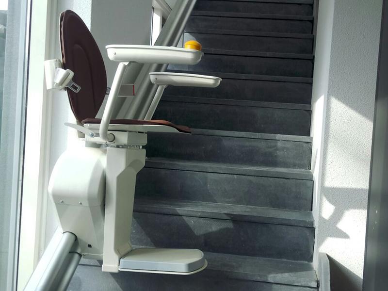 Bus Natuursteen   Traplift als extra service
